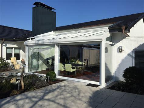 holzbalken terrassenüberdachung wohnzimmer farben muster