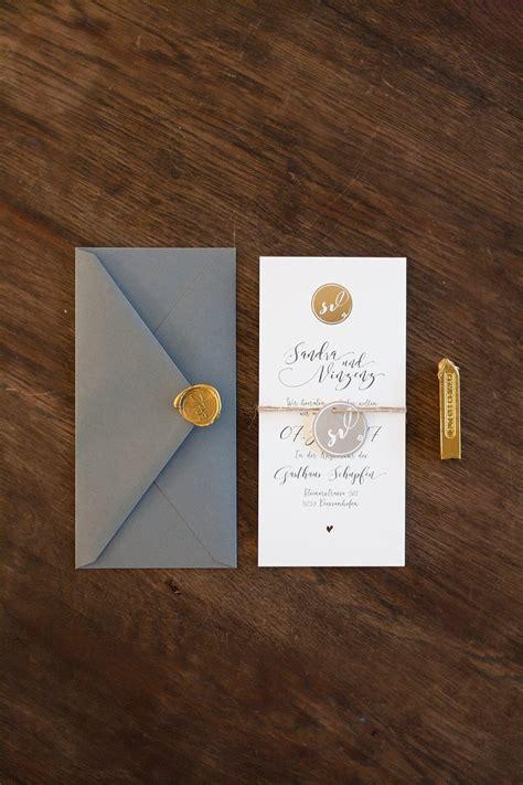hochzeitseinladung gold edle papeterie grau gold mit siegelstempel anmut und