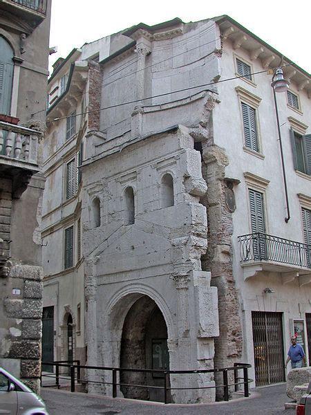 porta leona verona porta leona a passeggio tra le porte romane di verona