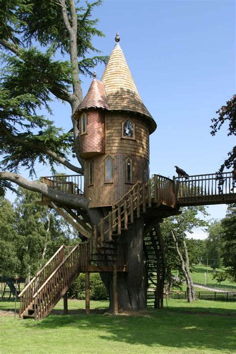real treehouse real fairytale houses in trees amazon treehouses