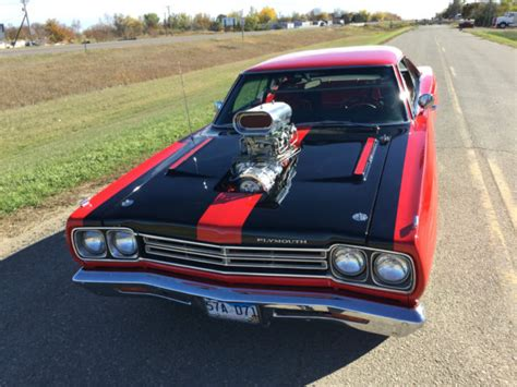 plymouth shows 1969 plymouth roadrunner show and go 528 blown hemi