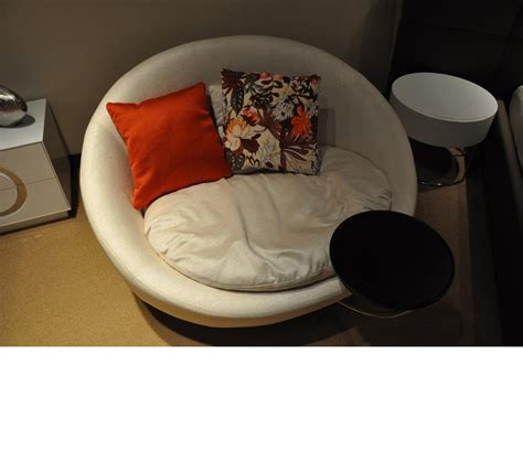 round lounge chairs for bedroom dreamfurniture com divani casa alba modern fabric