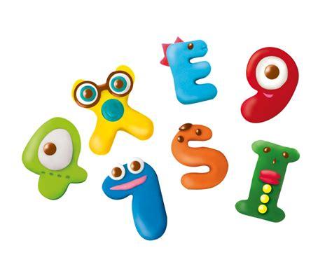 creare parole da lettere pasta da modellare per creare lettere e numeri