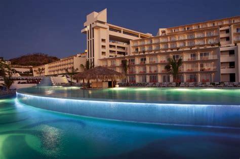 Secrets Huatulco Resort & Spa Wedding   Modern Destination