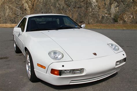 service manual accident recorder 1989 porsche 928 lane departure warning service manual service manual 1989 porsche 928 service manal 1989 porsche 928 gt white manual genuine gt not s4