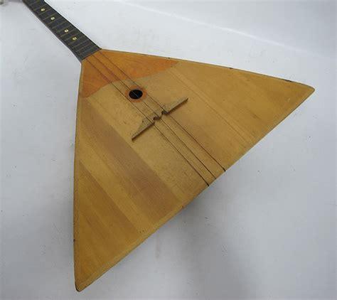 Triangle String - vintage balalaika russian three string wood triangle
