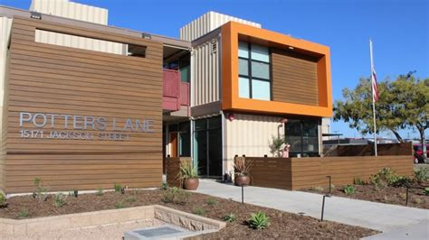 california homeless veterans move into apartment built