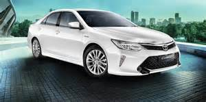 2017 Toyota Camry 2017 Toyota Camry Hybrid India Price Specifications