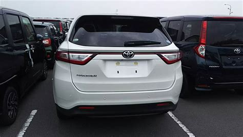 Toyota Harrier Facelift toyota harrier facelift spotted undisguised in japan paul