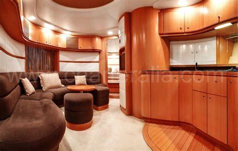 interno yacht baia aqua 54 yacht a noleggio a ibiza charteralia