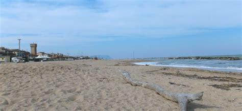 porto potenza picena mare spiaggia di porto potenza picena trovaspiagge it