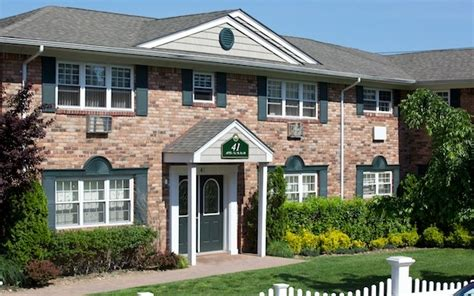 long island appartments fairfield properties the long island apartment finder