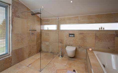 Badezimmer Fliesen Richtig Putzen by Badezimmer Putzen
