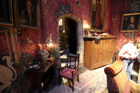common room what set would you want your backyard gryffindor common room jpg 248101d1383069611 640 215 424