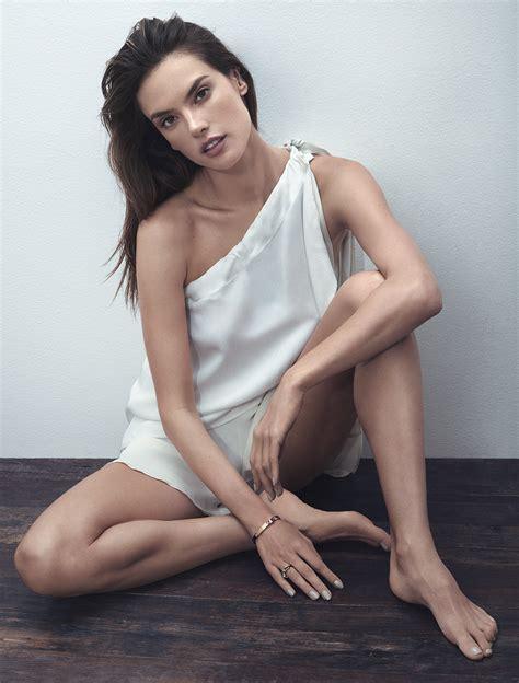 Alessandra Ambrosio S Feet