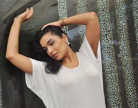 film india paling hot 2013 bollywood actress meera chopra latest hot stills