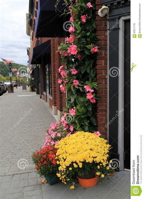Flowers Milford Ct - beautiful flowers lining cobblestone streets downtown new