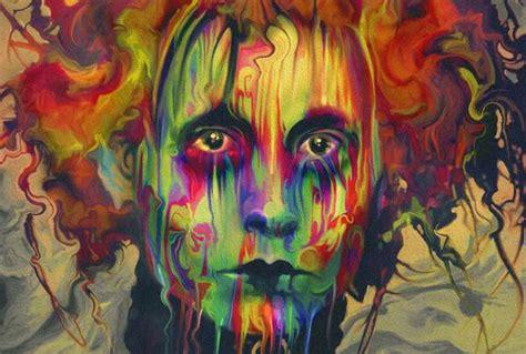 imagenes psicodelicas y surrealistas rainbow hued pop portraits nicky barkla
