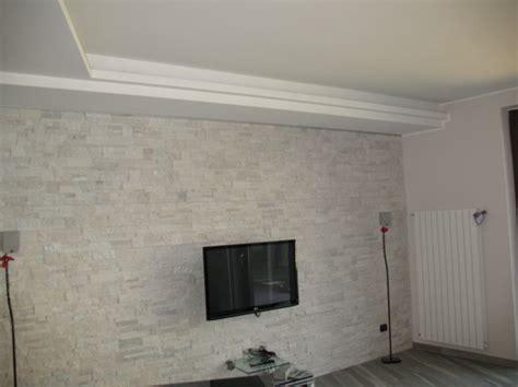 pareti rivestite in pietra per interni foto parete rivestite con pietra quarzite di edicolor