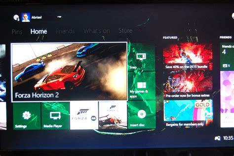 xbox one nuovo aggiornamento per i membri programma ecco come appare la dashboard di xbox one con le tile