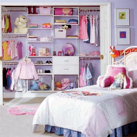 Child Closet by 10 Modern Kids Closets Organized To Put A Room In Order