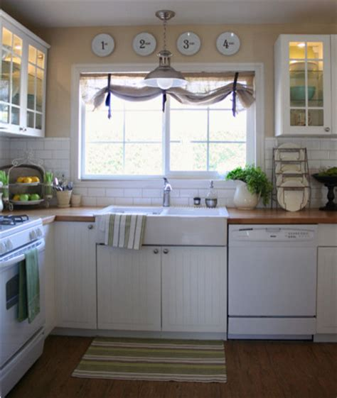 Houzz Kitchen Curtains Like The Window Treatment The Sink