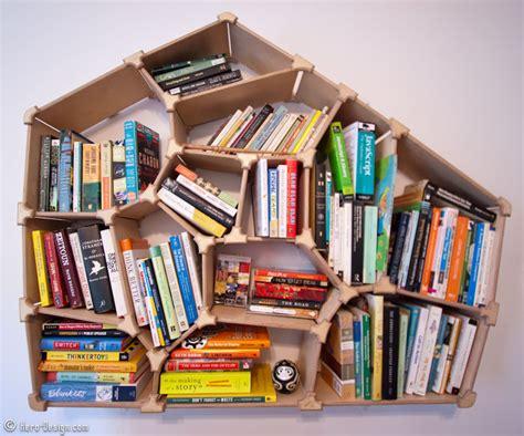 cara membuat rak buku sendiri dari barang bekas cara membuat rak dinding dari kardus prelo blog tips