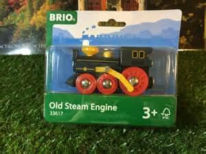 brio steam engine unboxing brio railway 33617 old steam engine 03356 youtube