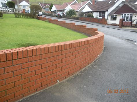 Cwm Llynfi Bricklaying 9 Inch Red Face Brick Garden Wall Types Of Bricks For Garden Walls