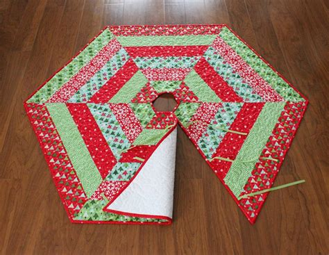 a bright corner holly jolly christmas tree skirt pattern