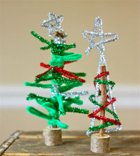 pipe cleaner christmas trees fun family crafts