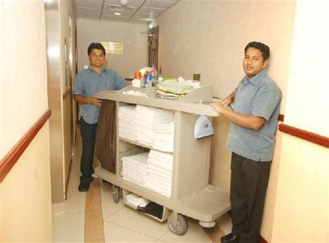 In Home Housekeeper by 301 Moved Permanently