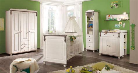 waschbär bett orange babyzimmer dekor