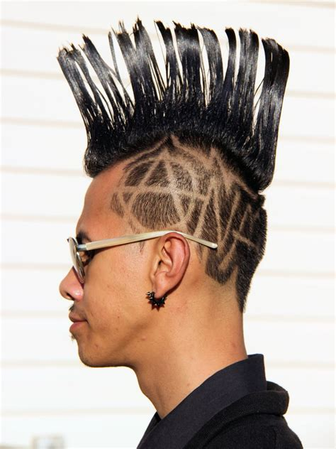 Mohawk Hairstyle by Curly Mohawk Hairstyle Up Your Look