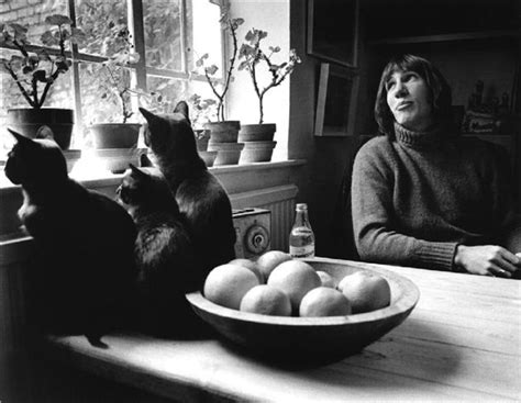 Kaos House Of Smith roger waters at home in islington 1970 photo by