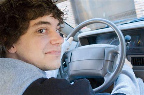 auto possono portare i neopatentati neopatentati ecco le auto possono guidare