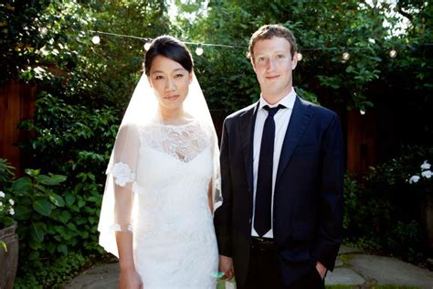 how mark zuckerberg s taxes change now that he s married