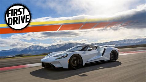 ford supercar the 2017 ford gt makes most supercars look soft