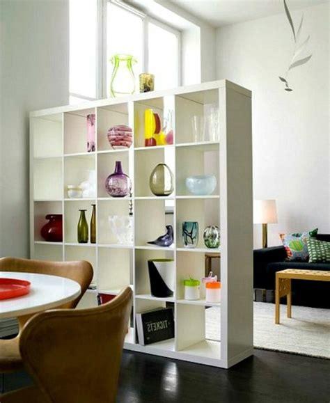 raumteiler wohnzimmer essbereich moderne ideen zur optischen trennung durch regal