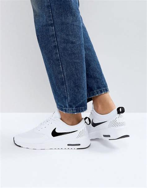 Nike Ir Max Wanita nike nike air max thea trainers in white and black