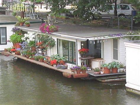 woonboot te koop amsterdam amstel file woonboot amsterdam jpg wikimedia commons
