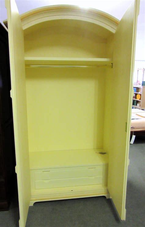 armadio decorato armadio doppia anta decorato armadi a prezzi scontati