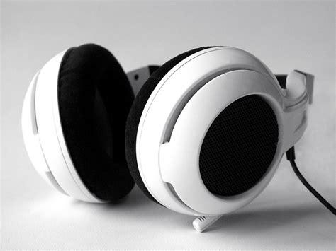 Headset Steelseries Neckband steelseries announces world s circumaural professional gaming neckband headset