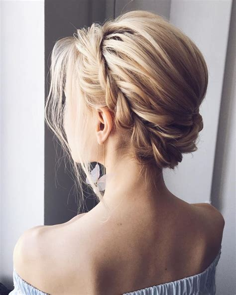 Wedding Hairstyles For Sweetheart Neckline by Best 25 Updo Hairstyle Ideas On Updo
