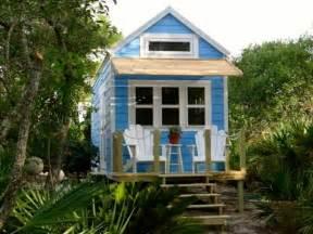 tiny house hgtv tiny house big living hgtv