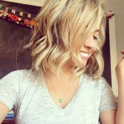 how to get beachy waves on shoulder lenght hair 14 glamorous wavy hairstyles for 2015 pretty designs