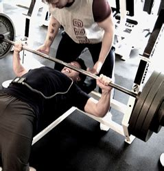 how to strengthen your bench press how to improve your bench press by 10 now musclehack