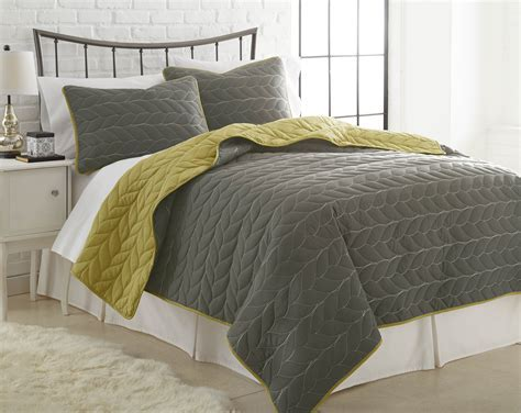 3pc Reversible Coverlet Set   Bedding Ever After