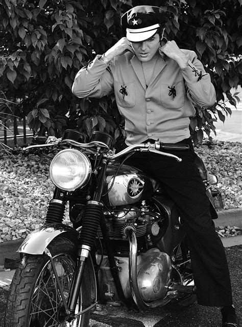 steve mcqueen the life and legend of a hollywood icon elvis steve mcqueen and shooting in the style of a