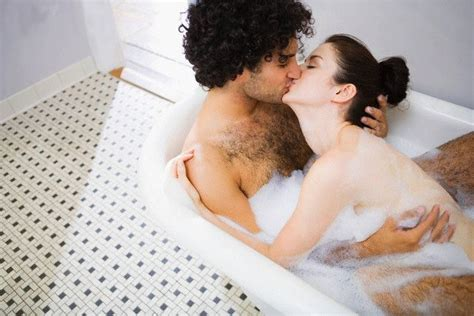 kissing in the bathroom games bathroom kiss www wikilove com bathroom kiss bathroom kiss pinterest kiss